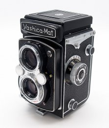 YashicaMat 6x6cm TLR with Case #7406