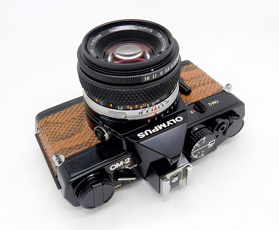 Olympus OM2 Black & Real Snakeskin with 50mm F1.8 & #6721 - Click Image to Close