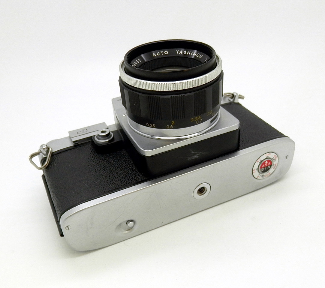Yashica Reflex J 35 with Yashinon 5cm F2 #6779 - Click Image to Close