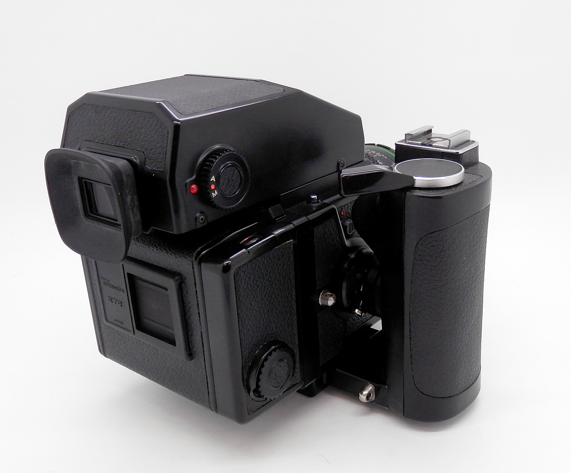 Bronica ETRS with AE11 Prism and Speed Grip #6787 - Click Image to Close