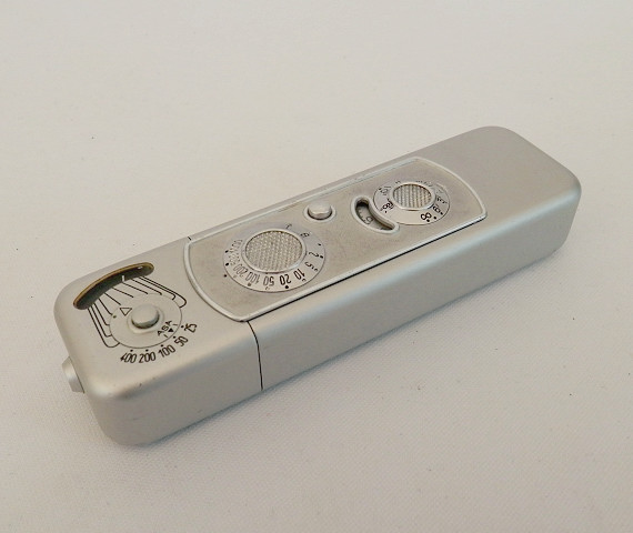 Minox B 16mm Spy Camera, Cased with Chain #6452 - Click Image to Close